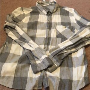 Maurices Brand // Grey & White plaid // size XL
